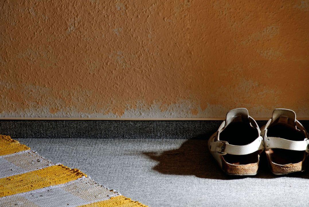 shoes-841002_1920