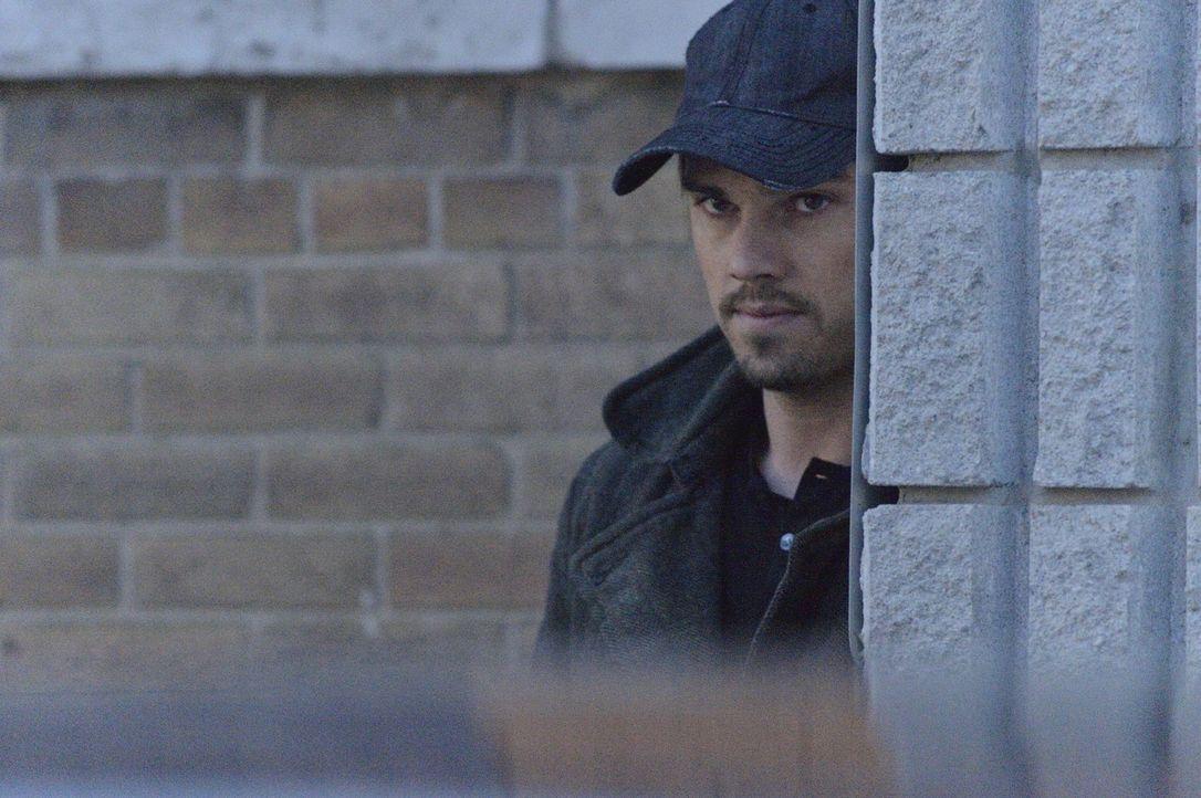 Vincent (Jay Ryan) kann es noch gar nicht fassen, denn die Tabletten, die er von Gabe bekommen hat, scheinen tatsächlich zu wirken. Ist er seinem Wu... - Bildquelle: 2012 The CW Network, LLC. All rights reserved.