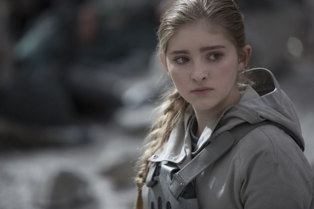 Bezahlt teuer für ihr mitfühlendes Herz: Primrose (Willow Shields) ... - Bildquelle: Murray Close TM &   2015 Lions Gate Entertainment Inc. All rights reserved.