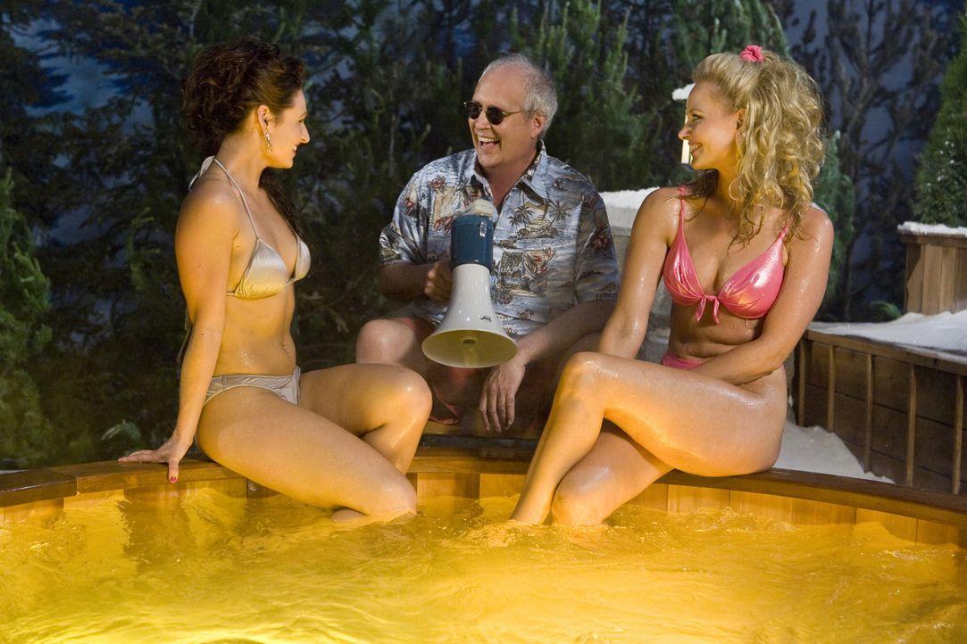 Genießt das Leben in vollen Zügen: The Repairman (Chevy Chase, M.) ... - Bildquelle: 2010 Twentieth Century Fox