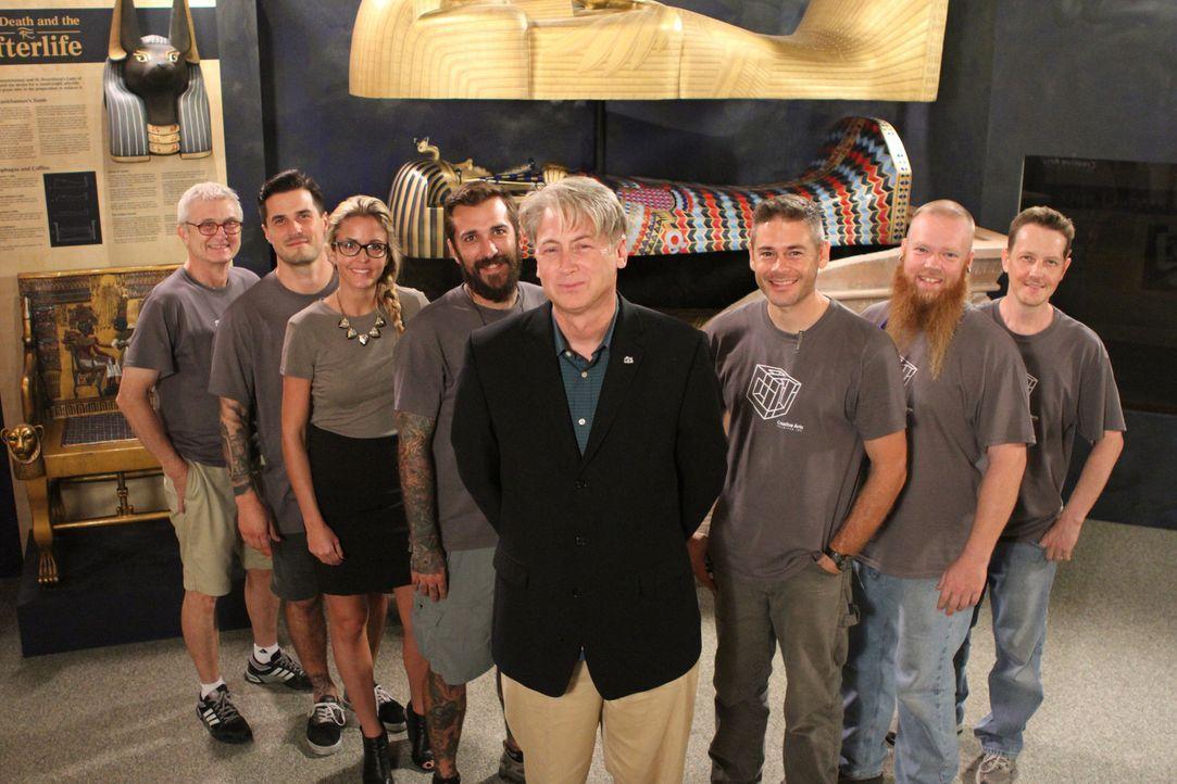 """Sie machen Geschichte anschaulich und greifbar: Die """"Museum Men"""" von """"Creative Arts"""" sind ein Team hochqualifizierter Handwerker, die detailgetreu h... - Bildquelle: 2014 A&E TELEVISION NETWORKS, LLC. ALL RIGHTS RESERVED."""