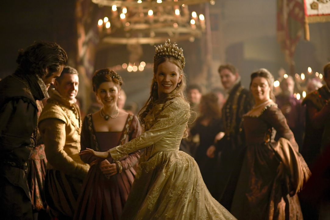 Sorgt bei einzelnen Mitgliedern des Hofes für Aufsehen: Königin Catherine Howard (Tamzin Merchant, M.) ... - Bildquelle: 2010 TM Productions Limited/PA Tudors Inc. An Ireland-Canada Co-Production. All Rights Reserved.