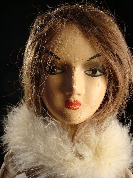 Don Wildman klärt mithilfe einer antiken Puppe den mysteriösen Tod einer jungen Frau auf. - Bildquelle: 2012,The Travel Channel, L.L.C. All Rights Reserved