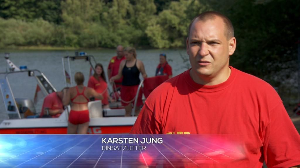 DLRG - Einsatzleiter Karsten Jung - Bildquelle: SAT.1