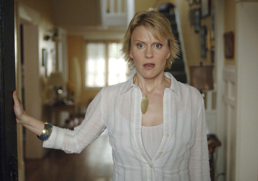 Nicole (Marguerite MacIntyre) ist entsetzt, als Tom Foss vor ihrem Haus steht ... - Bildquelle: TOUCHSTONE TELEVISION