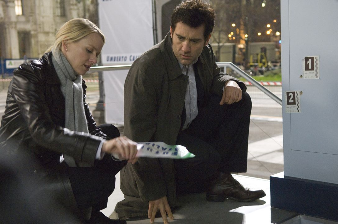 Schon bald müssen der Interpol-Agent Louis Salinger (Clive Owen, r.) und die New Yorker Staatsanwältin Eleanor Whitman (Naomi Watts, l.) erkennen,... - Bildquelle: 2009 Columbia Pictures Industries, Inc. and Beverly Blvd LLC. All Rights Reserved.
