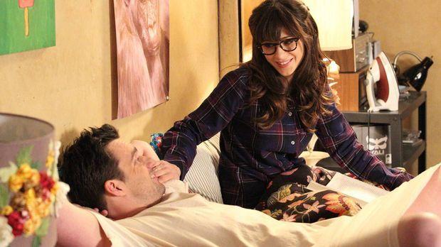 Als Jess (Zooey Deschanel, r.) in Nicks (Jake Johnson, l.) Zimmer einzieht, b...