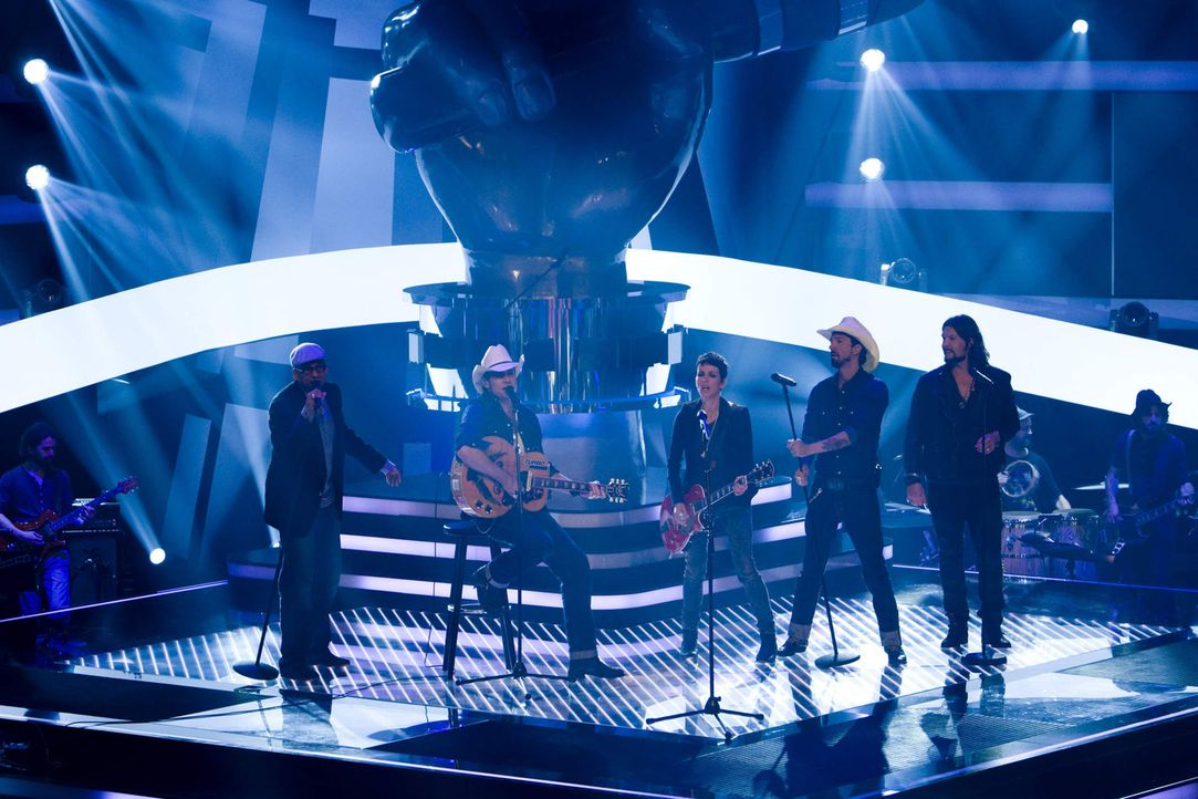 """The Voice of Germany"": (v.l.n.r.) Xavier Naidoo, Alec ""Boss Burns"" Völkel, Nena, Sascha ""Hoss Power"" Vollmer und Rea Garvey ... - Bildquelle: SAT.1/ProSieben"