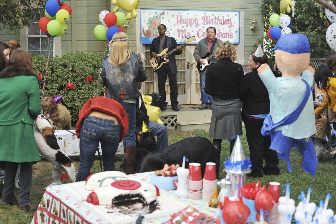 Die Geburtstagsparty für Hund Mr. Cellophane ist im vollen Gange ... - Bildquelle: 2008 American Broadcasting Companies, Inc. All rights reserved.