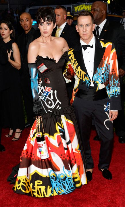 Met-Ball-Katy-Perry-Jeremy-Scott-15-05-04-dpa - Bildquelle: dpa