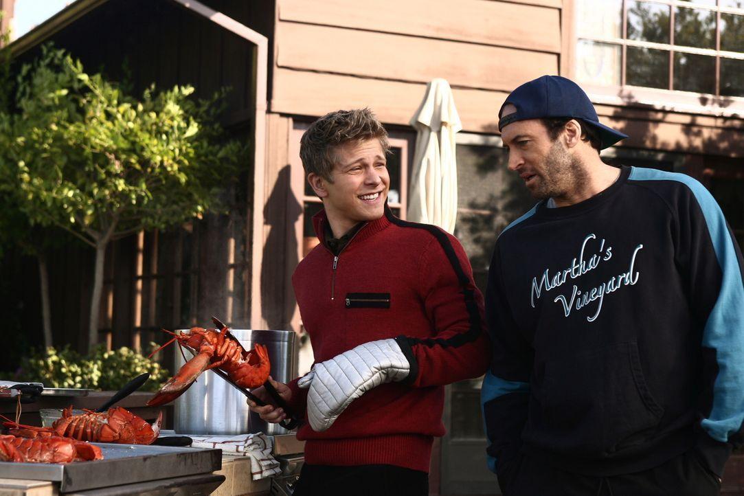 Valentinstag steht vor der Tür. Da Rory soviel Stress in der Uni hat, plant Logan (Matt Czuchry, l.) ein Wochenende der Erholung mit Lorelai und Luk... - Bildquelle: Copyright Warner Brother International Television