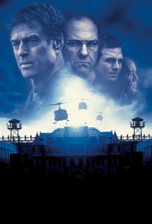 """Die letzte Festung"" mit (v.l.n.r.) Robert Redford, James Gandolfini, Mark Ruffalo und Delroy Lindo - Bildquelle: TM &   2001 DREAMWORKS LLC. All Rights reserved."