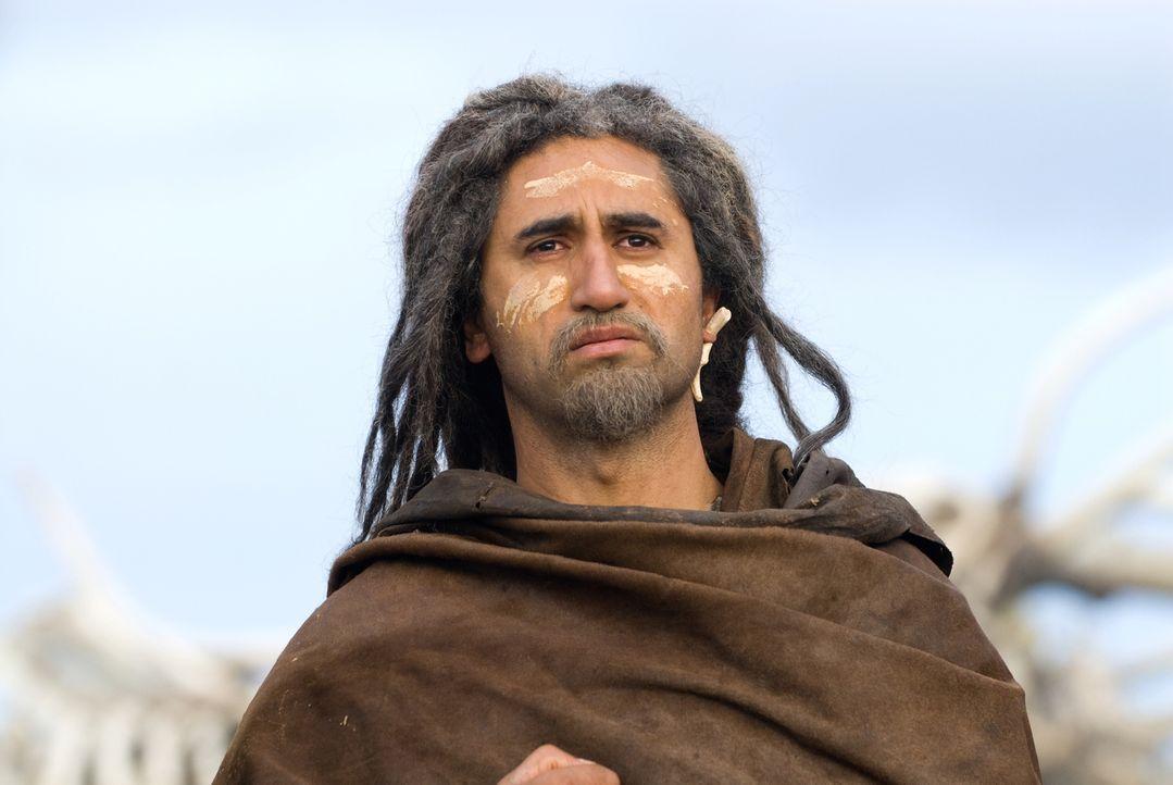 Auf seiner Odyssee kämpft er gegen Säbelzahntiger und andere prähistorische Raubtiere, bis er schliesslich gegen einen Gott kämpfen muss, der seine... - Bildquelle: Warner Brothers