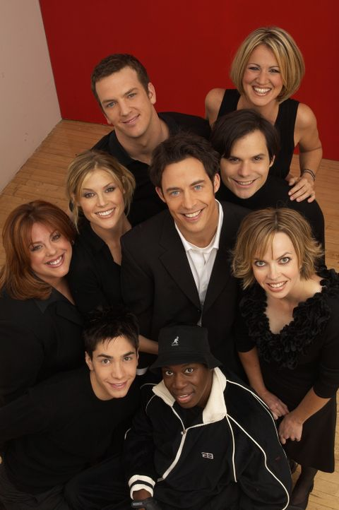 (4. Staffel) - Alles dreht sich ums Bowling (v. hinten l. n. vorne r.): Mike (Josh Randall), Nancy (Jana Marie Hupp), Molly (Lesley Boone), Carol (J... - Bildquelle: TM &   Paramount