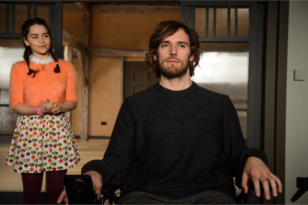 Sam Claflin_wheelchair - Bildquelle: Warner Bros. Pictures