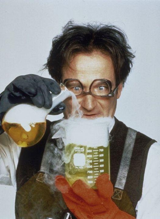 """Eines Tages erfindet der chaotische Professor Phillip Brainard (Robin Williams) eine giftgrüne Gummimasse, die er """"Flubber"""" nennt. Diese Substanz k... - Bildquelle: Buena Vista"""