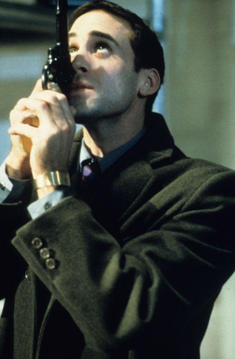 Hat seinen eigenen Freund an die Russenmafia ausgeliefert: Sean Deeny (Joseph Fiennes) ... - Bildquelle: VCL Communications GmbH
