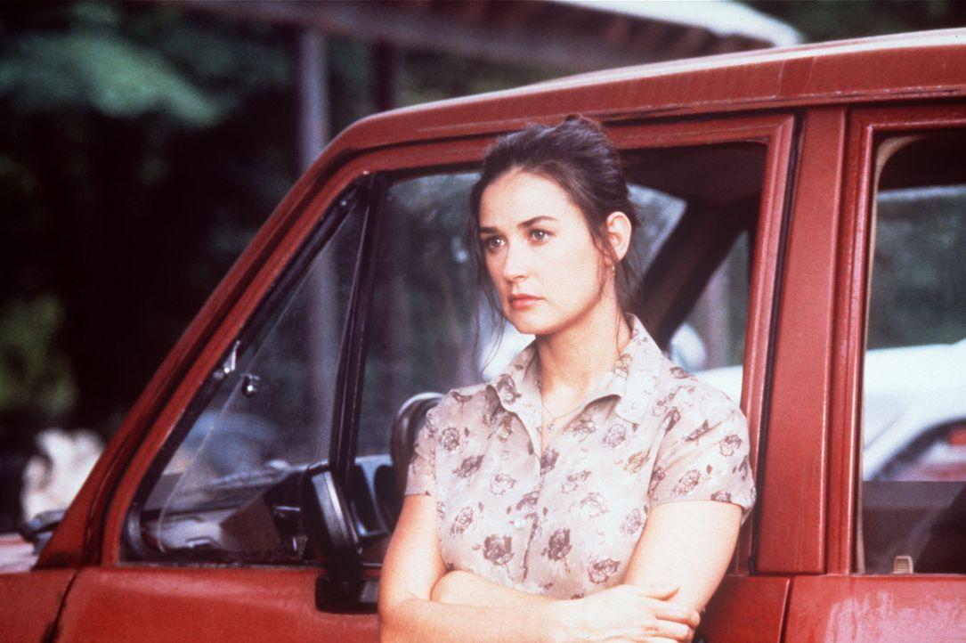Die Bildhauerin Annie Laird (Demi Moore), allein erziehende Mutter eines 12jährigen Jungen, ist Geschworene im Prozess gegen einen Mafiaboss. Eines... - Bildquelle: Columbia Pictures