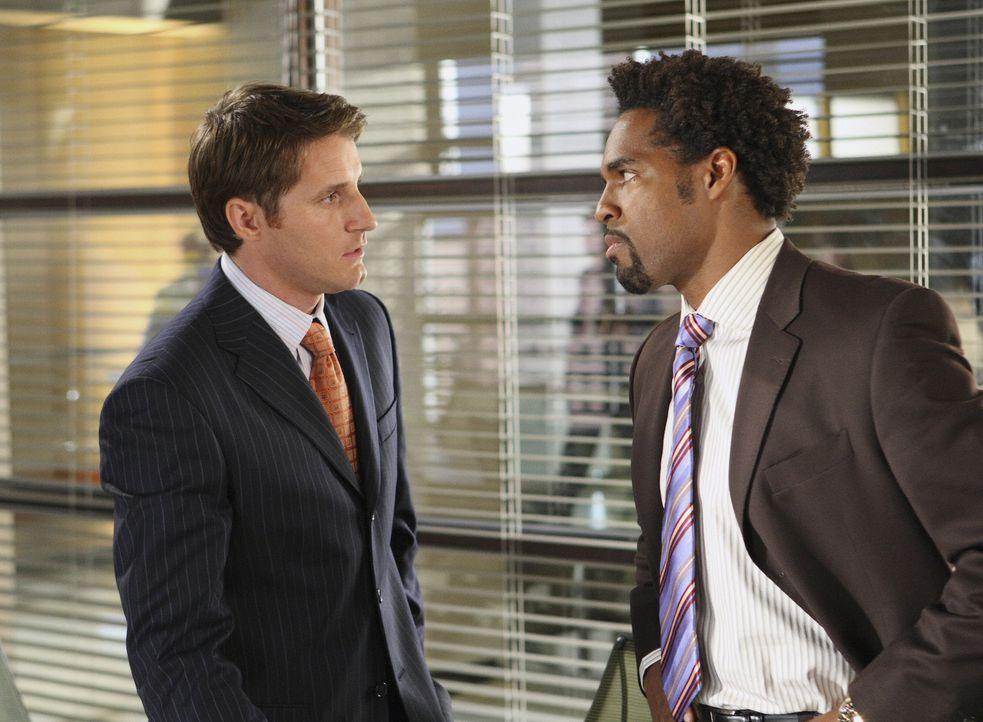 Ein äußerst heikler Fall: Keith (Jason Winston George, r.) und Matt (Sam Jaeger, l.) müssen sich eine neue Taktik überlegen ... - Bildquelle: Disney - ABC International Television