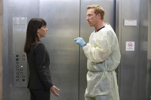 Grey's Anatomy - Die jungen Ärzte - Owen (Kevin McKidd, r.) versucht Dr. Cahi...
