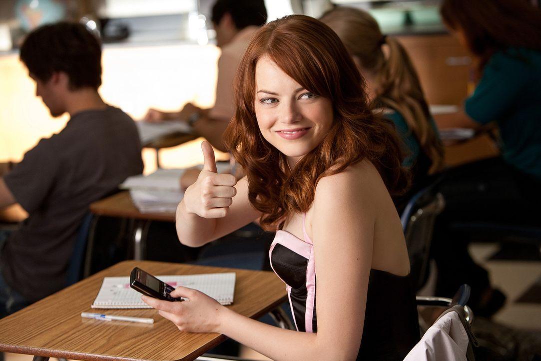 Wer hätte das gedacht? Die eher unauffällige Schülerin Olive (Emma Stone) soll mit einem College-Studenten Sex gehabt haben. Freiwillig! Die Ger - Bildquelle: CPT Holdings, Inc. All Rights Reserved. (Sony Pictures Television International)
