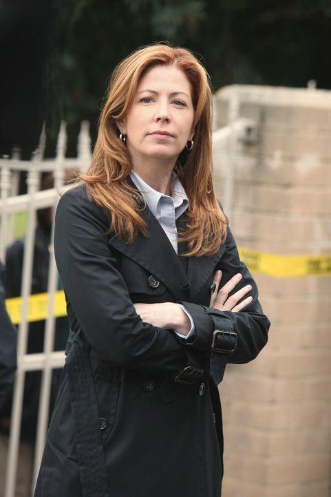 Die attraktive Jordan Shaw (Dana Delany) wird auf den Fall den eigentlich Kate Beckett mit ihrem Team bearbeitet angesetzt. - Bildquelle: ABC Studios