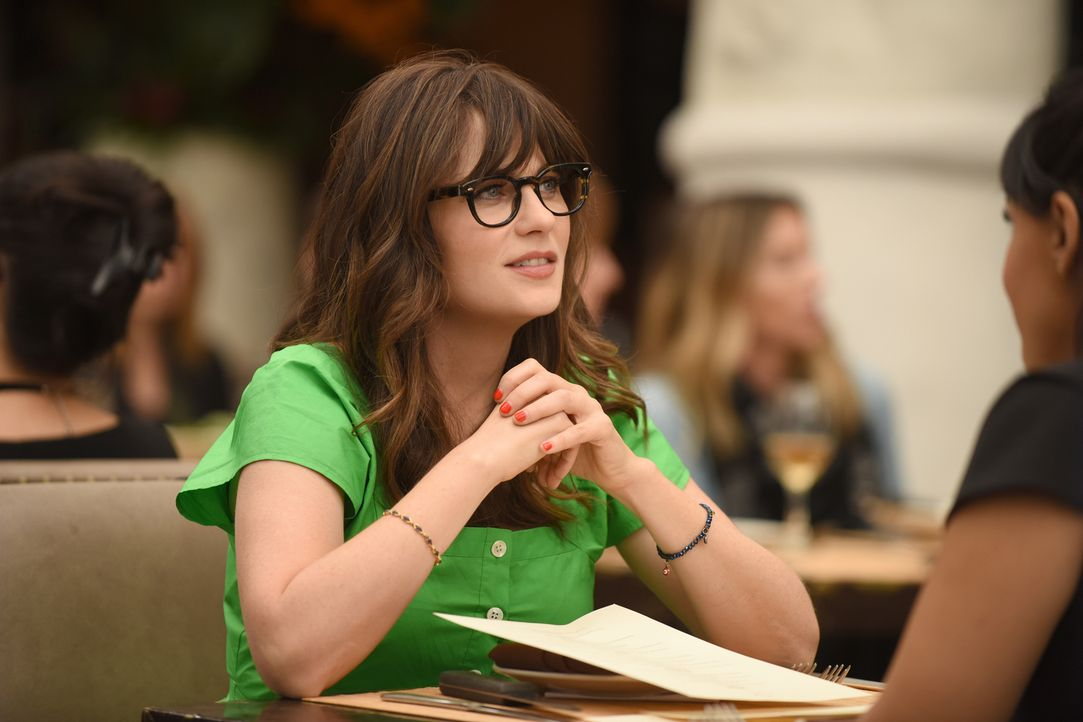 Jess (Zooey Deschanel) beschwert sich bei Cece über ihren neuen Job. Mit unerwarteten Folgen ... - Bildquelle: Ray Mickshaw 2018 Fox and its related entities.  All rights reserved.