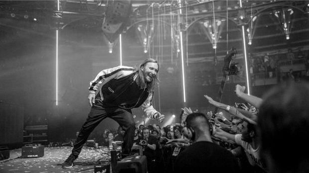 David Guetta - Dangerous Text