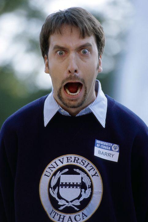 Der durchgeknallte und sensationslüsterne Barry Manilow (Tom Green) ist Dauerstudent an der Universität von Ithaca. Er studiert seit acht Jahren - e... - Bildquelle: TM &   DREAMWORKS L.L.C.