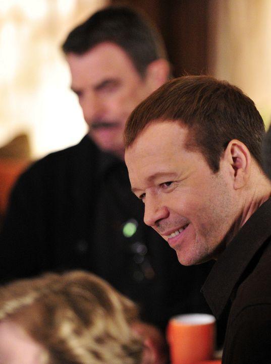 Danny Reagan (Donnie Wahlberg, r.) genießt die Zeit, die er mit der Familie verbringen kann. - Bildquelle: 2010 CBS Broadcasting Inc. All Rights Reserved