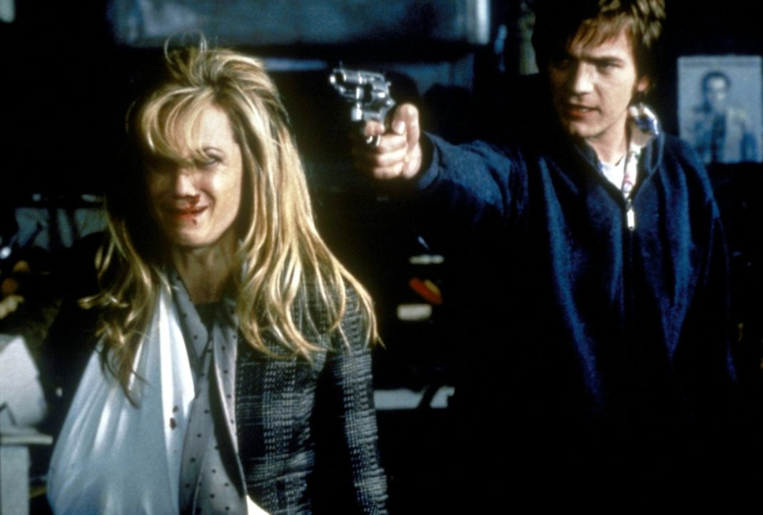 Als der Raumpfleger Robert (Ewan McGregor, r.) entlassen werden soll, kidnappt er einfach Celine (Cameron Diaz, l.), die Tochter seines Chefs. Nicht... - Bildquelle: PolyGram Filmed Entertainment