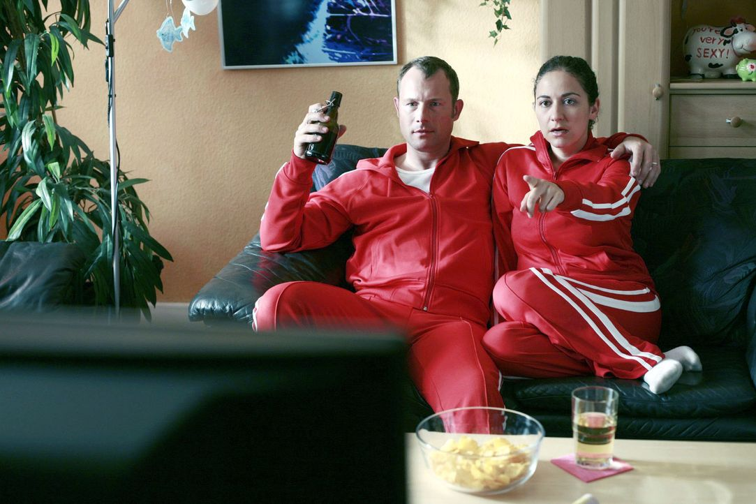Auch bei Frank und Tanja Möller sind die Rollen klar verteilt. Sie die verständnisvolle Gattin, er der heldenhafte Beschützer. So hat gerade ekelerr... - Bildquelle: Guido Engels Sat.1