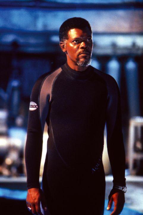 Projektfinanziers Russell Franklin (Samuel L. Jackson) kann nicht glauben, was er soeben in der Forschungsstation erlebt hat ... - Bildquelle: Warner Bros. Pictures
