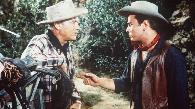 Brazos (Robert J. Wilke, l.) und Sam (Dick Davalos, r.) sind alte Bekannte. ©...