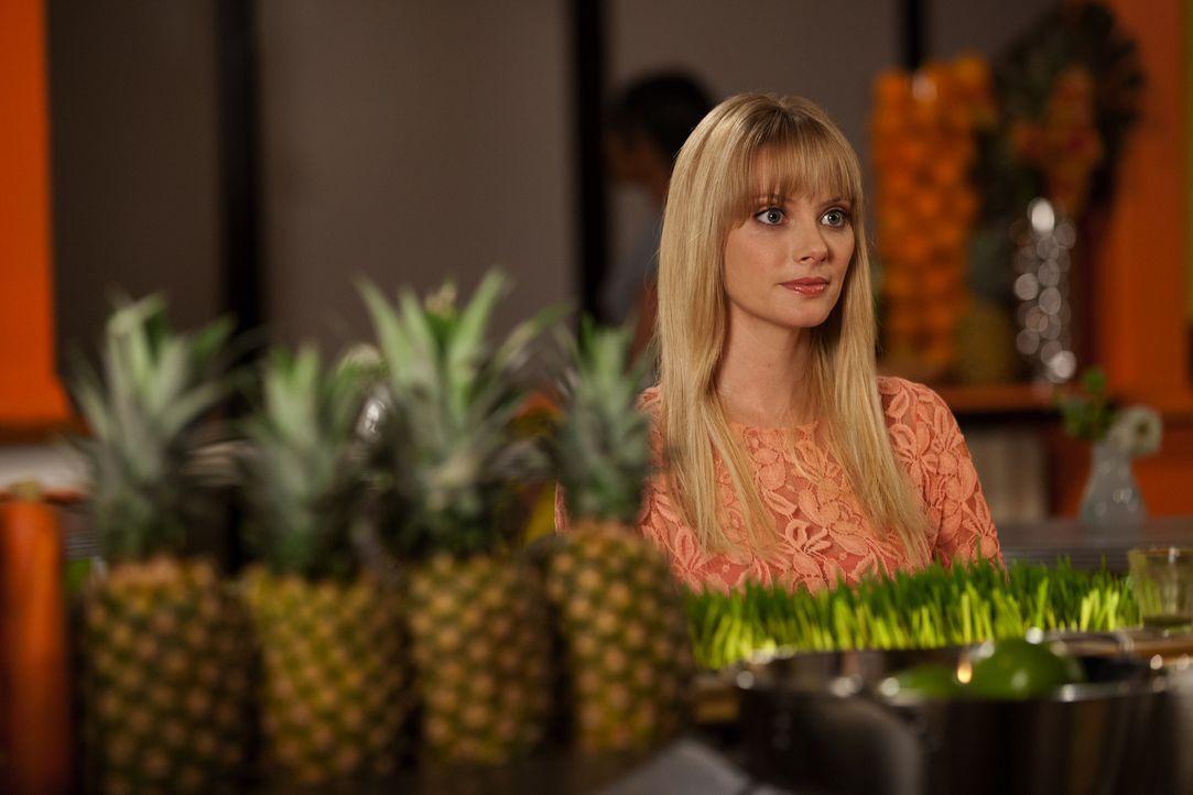 Als Stacy Barrett (April Bowlby) erkennt, dass sich Fred in eine andere verliebt hat, ist sie am Boden zerstört ... - Bildquelle: 2012 Sony Pictures Television Inc. All Rights Reserved.