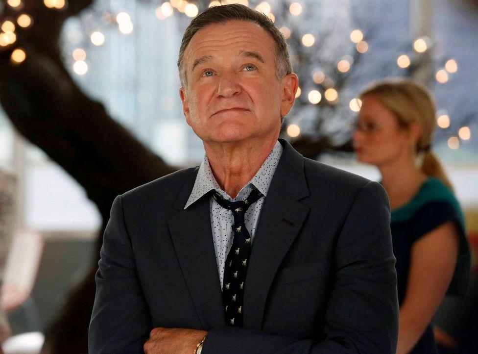 Als Simon (Robin Williams) bei einem kreativen Wettbewerb von einem anderen Angestellten geschlagen wird, versuchen Zach und Andrew ihn aufzumuntern... - Bildquelle: 2013 Twentieth Century Fox Film Corporation. All rights reserved.