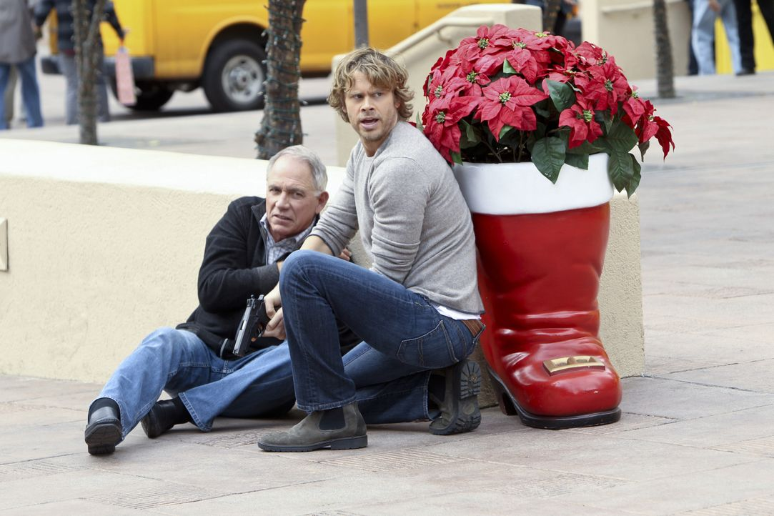 Als die Tochter von Senator Lockhart (John Getz, l.) überfallen wird, beginnt das Team um Deeks (Eric Christian Olsen, r.) mit den Ermittlungen ... - Bildquelle: CBS Studios Inc. All Rights Reserved.