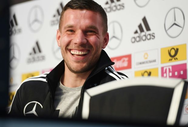 podolski schreibt brief an die fans supergeile zeit mit euch. Black Bedroom Furniture Sets. Home Design Ideas