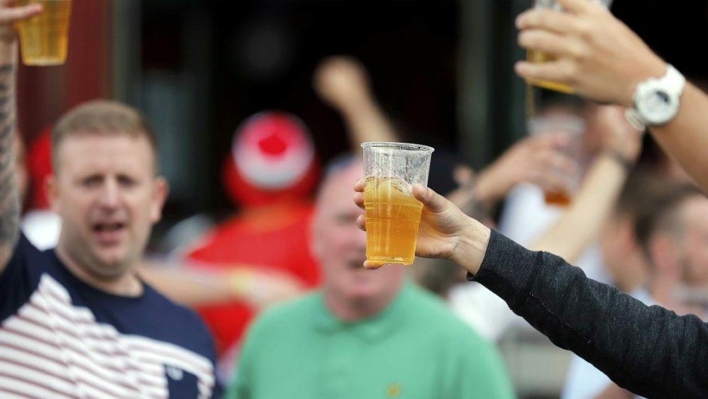 Der Bierkonsum wird bei der WM zum teuren Vergnügen - Bildquelle: PIXATHLONPIXATHLONSID
