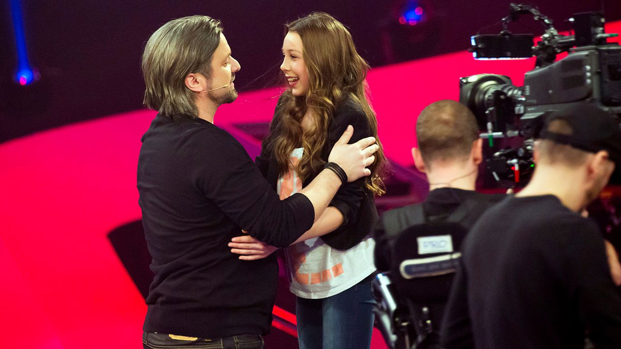 The-Voice-Kids-epi03-danach-Malin-4-SAT1-Richard-Huebner - Bildquelle: SAT.1/Richard Hübner