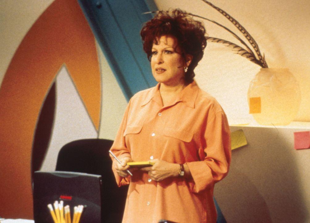 Brenda (Bette Midler) hat nur für ihren Ehemann gelebt, bis er sich eine Geliebte nimmt ... - Bildquelle: Paramount Pictures