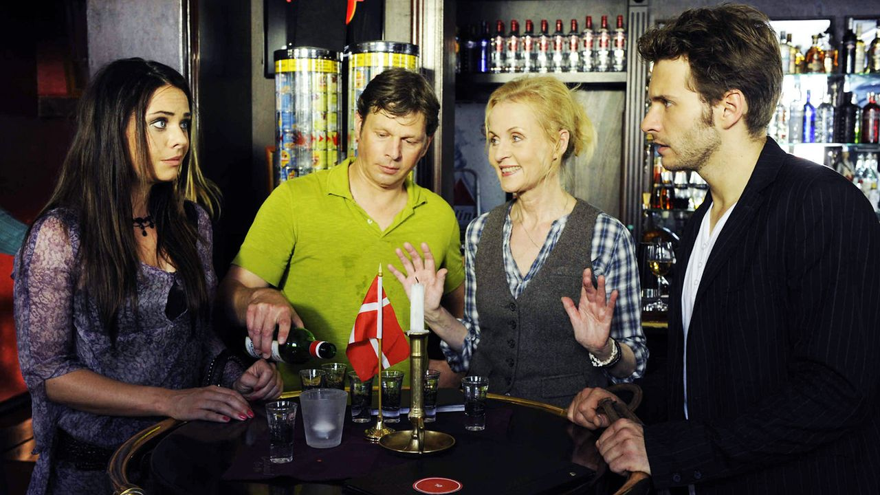 Anna-und-die-Liebe-Folge-806-02-Sat1-Claudius-Pflug - Bildquelle: SAT.1/Claudius Pflug