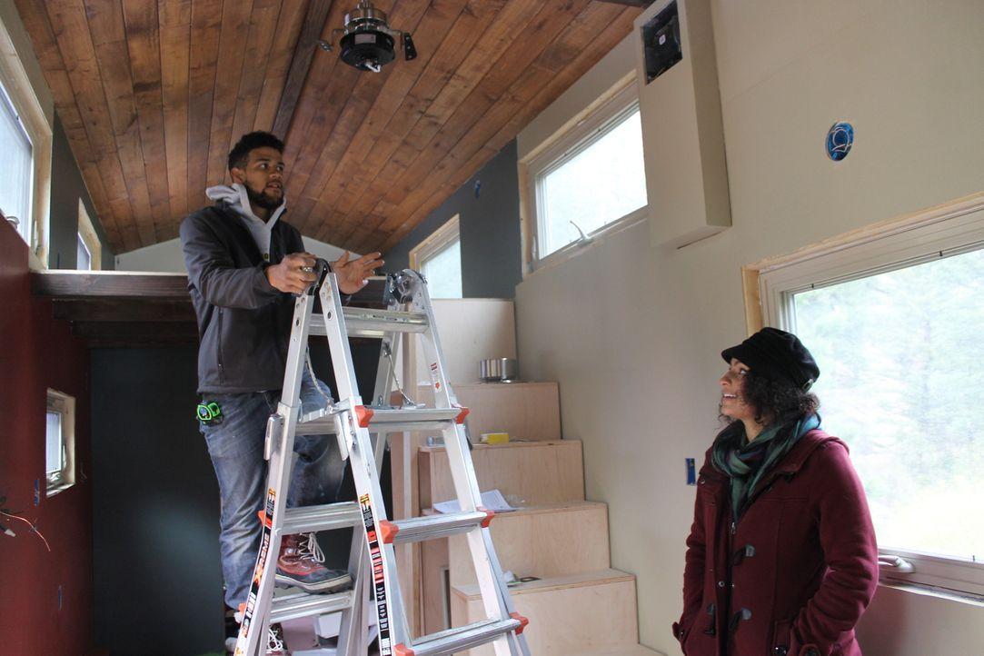 Kris (l.) und Betty (r.) wollen sich frei fühlen und einen Weg finden, die Arbeit mit ihren wahren Leidenschaften, überall im Land arbeiten zu könne... - Bildquelle: 2015, HGTV/Scripps Networks, LLC. All Rights Reserved