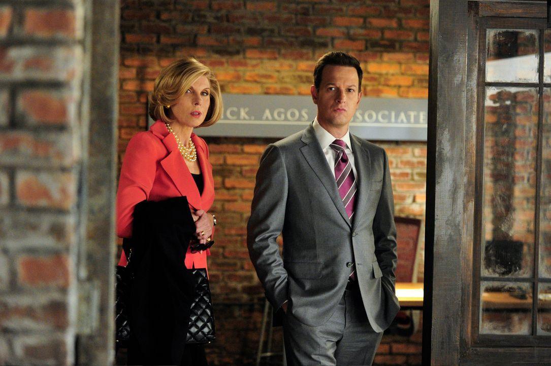 Diane (Christine Baranski, l.) und Will (Josh Charles, r.) müssen die Kanzlei Florrick/Agos besuchen, um in ihrem neuen Fall voran zu kommen ... - Bildquelle: John Paul Filo 2013 CBS Broadcasting Inc. All Rights Reserved.