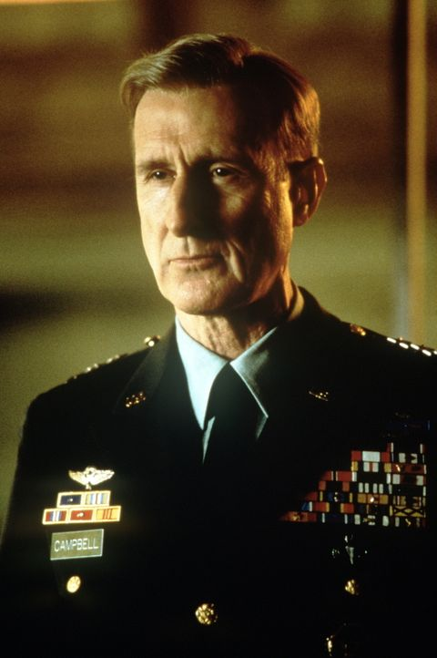 "Joe Campbell (James Cromwell) ist ein äußerst erfolgreicher General der US-Army, der unter dem Namen ""Fighting"" bekannt geworden ist. Außerdem ist e... - Bildquelle: TM & Copyright   2017 by Paramount Pictures. All rights reserved."