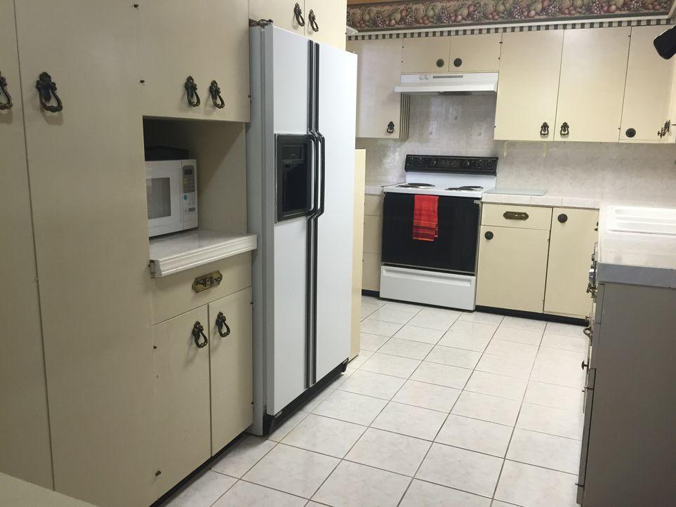 Die Küche in Sequoyah Shores kann Amanda und Ted nicht überzeugen. Sie sind sich einig - die Küche müsste erneuert werden ... - Bildquelle: 2015,HGTV/Scripps Networks, LLC. All Rights Reserved