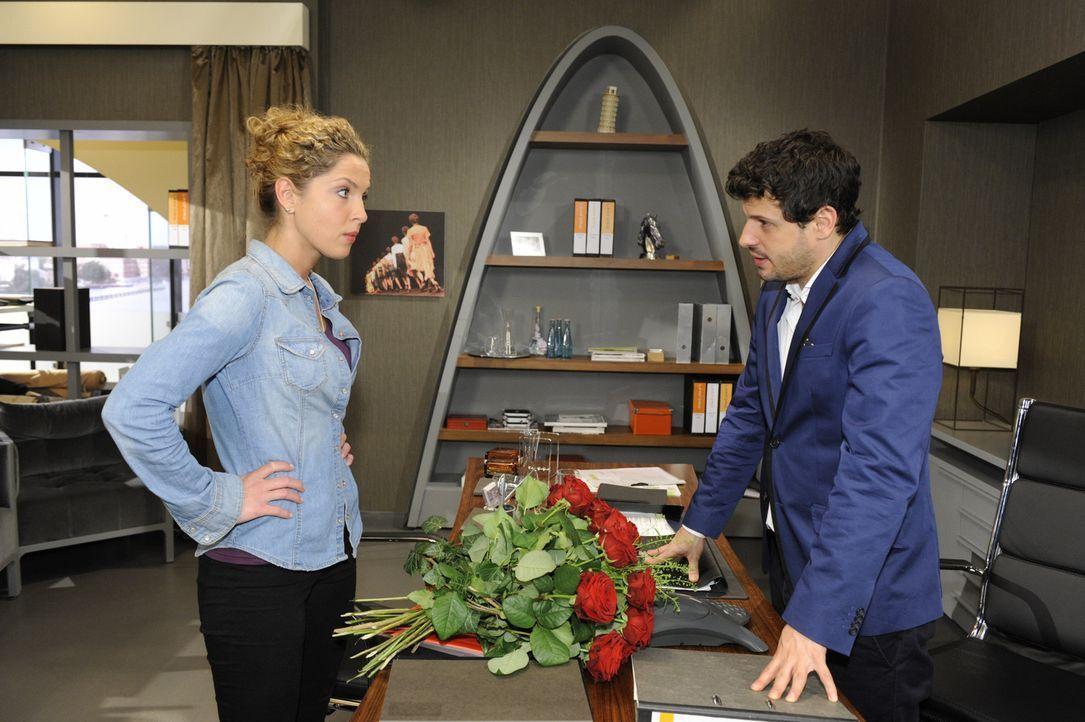 Die Aussage von Olivia, dass Luca (Manuel Cortez, r.) ihretwegen nicht heiraten wollte, stimmt Nina (Maria Wedig, l.) nachdenklich. Sie nimmt sich j... - Bildquelle: SAT.1