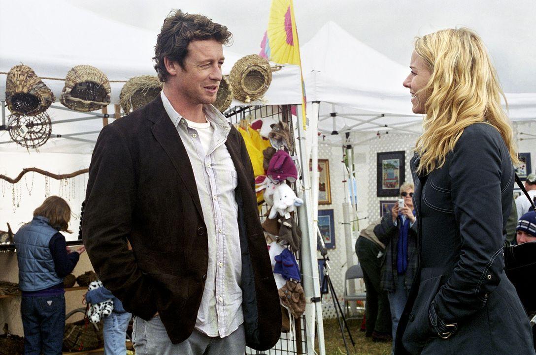 Max Rourke (Simon Baker, l.) ist der neue Chef von Rachel (Naomi Watts, r.). Als Samara wieder in Aidans Visionen auftaucht, bittet sie ihn um Hilfe... - Bildquelle: DreamWorks SKG
