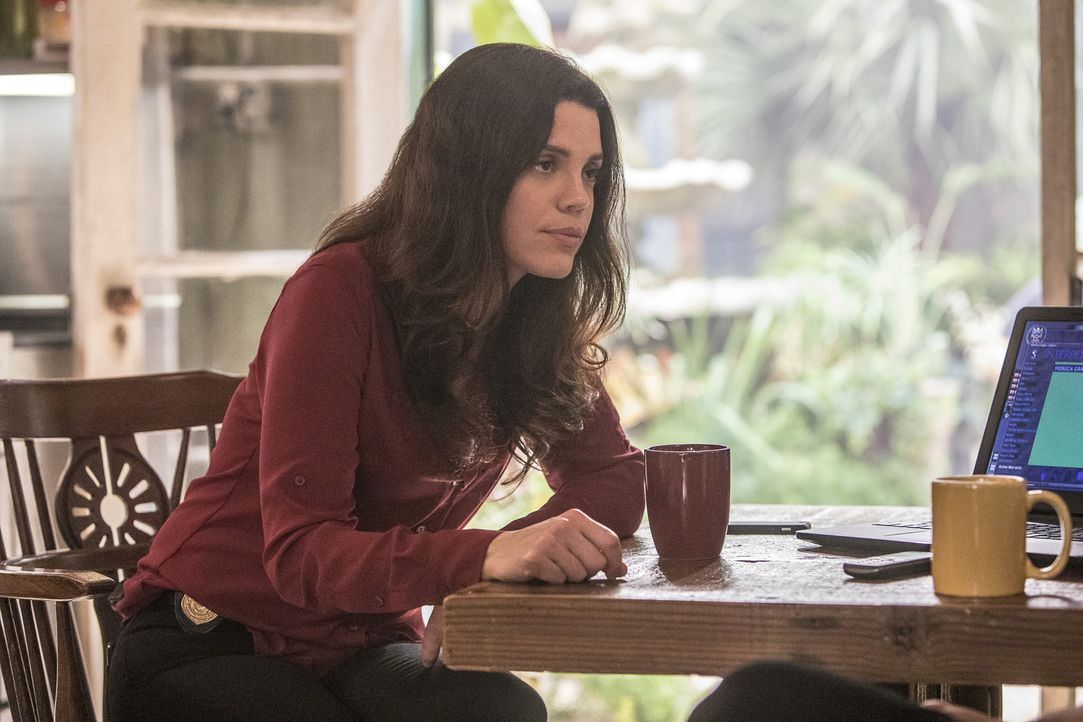 Gregorio (Vanessa Ferlito) bekommt es mit den NCIS Agenten McGee und Torres zu tun, die nach New Orleans reisen, um gemeinsam mit Prides Team einen... - Bildquelle: Skip Bolen 2016 CBS Broadcasting, Inc. All Rights Reserved