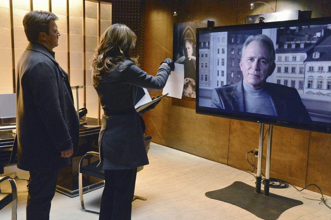Beckett (Stana Katic, l.) und Castle (Nathan Fillion, M.) sind auf der Suche nach einem Mörder. Doch was hat Dr. Gustavo Bauer (John Getz, r.) damit... - Bildquelle: 2013 American Broadcasting Companies, Inc. All rights reserved.